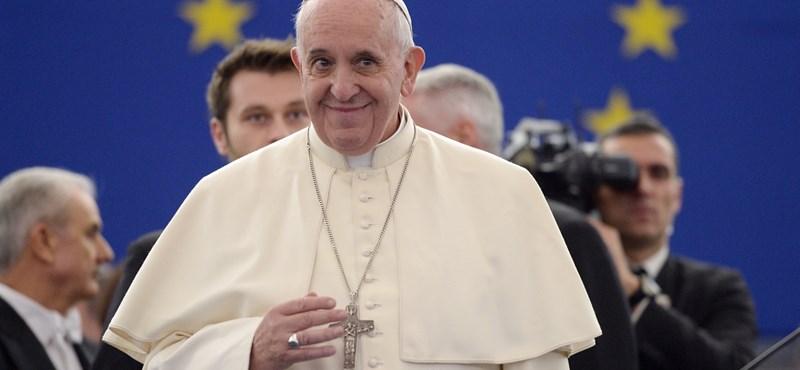 Olvassa el a pápa nyilatkozatát, és zárja be a gépét!