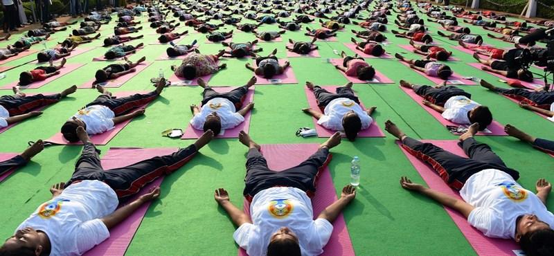 Az EMMI is támogatja az iskolai jógaoktatást