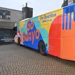 Zuhanyozóbusszal segítik Hamburgban a hajléktalanokat