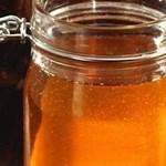 Az időjárás betesz a méhészeknek is, alig lesz méz az idén