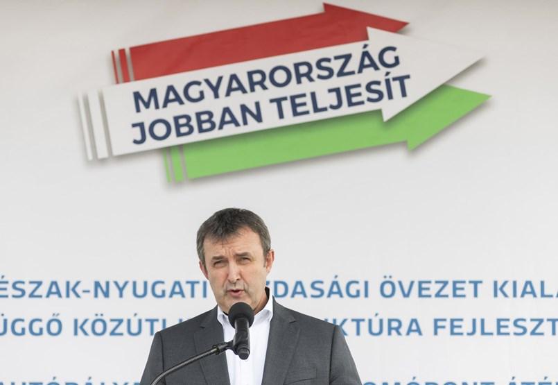 Cayeron y se amontonaron en puestos de trabajo: ya hay 29 comisionados del gobierno, cinco de ellos, Laszlo Balkovic