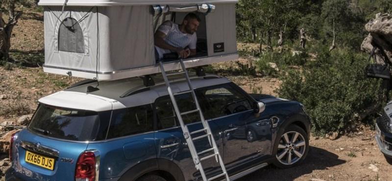 Mindig is az autója tetején szeretett volna kempingezni? A Mini teljesítette a vágyát