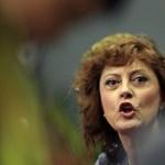 Letartóztatták Susan Sarandont, mert Trump ellen tüntetett