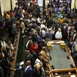 Lemondott Zimbabwe elnöke