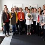 Megható Facebook-posztban köszöntötte takarítónőjét a finn nagykövetség