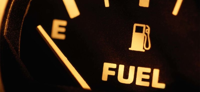 Már nagyon közel a 300 forintos benzinár