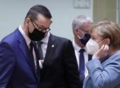 Warsaw fails EU recovery fund, left negotiated with Kaczynski