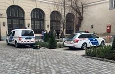 Csontokat találtak a Városháza udvarán