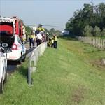 Kigyulladt egy karambolozó autó, dugó van az M5-ösön Budapest felé