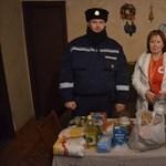 Már ivóvize sem volt az asszonynak, a rendőröktől kért segítséget