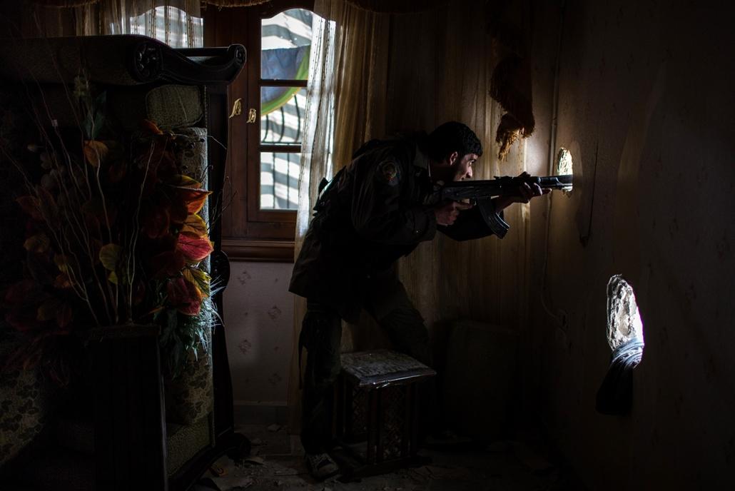 NE használd_! - Magyar fotográfusok háborús képei 100 éve és ma - nagyítás - Aleppó, Szíria - 2013. február 15.
