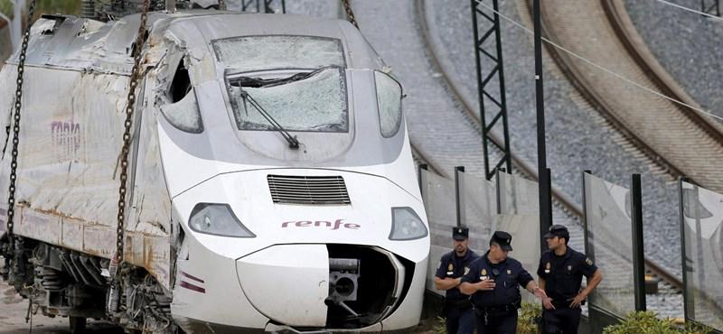 Spanyol vonatbaleset: 79-re nőtt a halottak száma