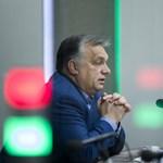 Orbán nem ment el Bush temetésére, de írt az itteni nagykövetség könyvébe egy üzenetet