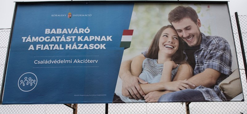 Zseniális húzás vagy iszonyú lebőgés a kormány legújabb plakátkampánya?