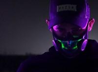 Tényleg kapható lesz a Razer futurisztikus arcmaszkja, itt már fel is próbálhatja