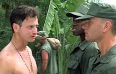 Könnyekig hatódott Gary Sinise, mikor amerikai sztárok és katonák köszönték meg neki, amit a veteránokért tesz