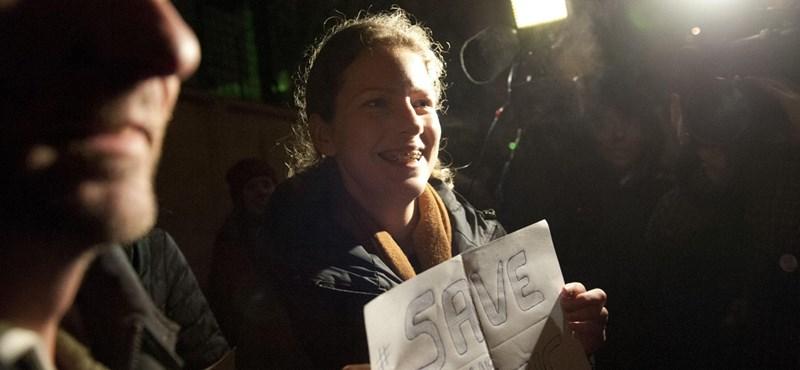 Hazamehettek az Oroszországban fogva tartott Greenpeace-aktivisták
