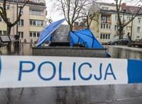 Ez már-már rendszerváltás: egy pap szobrát döntötték le a lengyelek