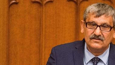 A roma nemzetiségi szószóló szépen felkérdezte a kormányt a Sargentini-jelentésről