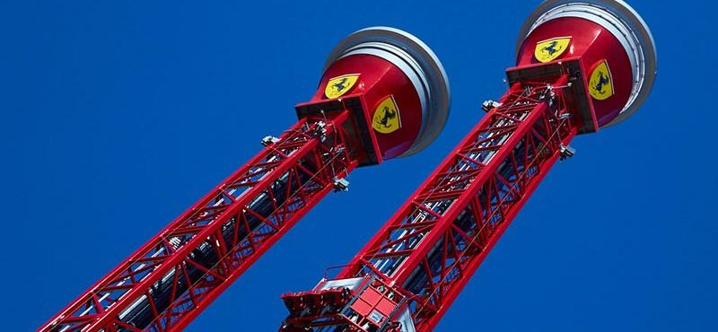 0-ról-180-ra, öt másodperc alatt, függőlegesen – ilyen hullámvasúttal nyitott a Ferrari vidámpark