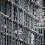 Az áfaemelés és a járvány betett a lakáspiacnak, kétharmadára esett az építtetők száma