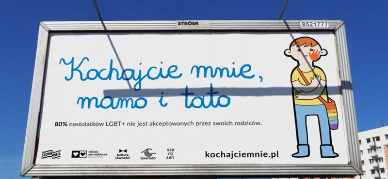 Kifordított abortuszplakátokkal üzennek az LMBTQ-gyerekeiket el nem fogadó szülőknek