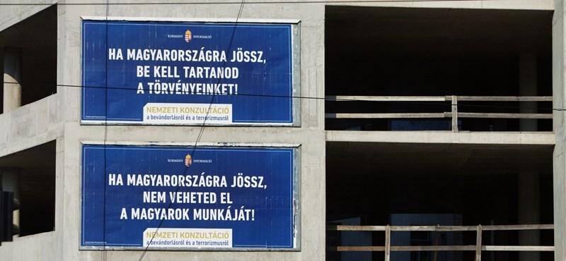 Feleannyit költöttek a kétfarkúak a plakátokra, mint a kormány