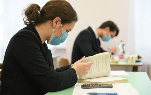 Érettségi szóbeli nélkül, szétszórják az SZFE oktatási helyszíneit - hét hírei