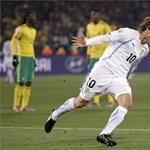 A foci-vb első duplája: Forlán kifektette Dél-Afrikát