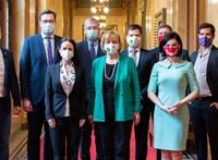 Megállapodott az ellenzék: online és személyesen is lehet majd szavazni az előválasztáson
