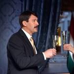 Feketelistára került Weisz Fanni, Áder újévi koccintópartnere