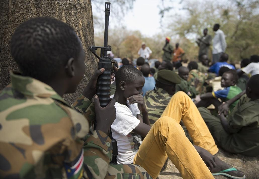 afp.15.02.10. - Pibor, Szudán: Egykori gyerekkatonák Szudánban. - 7képei