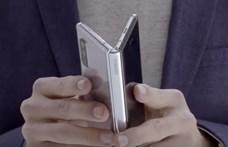 Kijelző alá tett szelfikamerát villantana a Samsung a Galaxy Fold 2-ben