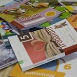 Október végén még 15 ezer tankönyv hiányzott az iskolákból