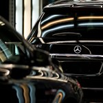 Az autók és az elmaradó EU-s pénzek miatt esett vissza a magyar ipar