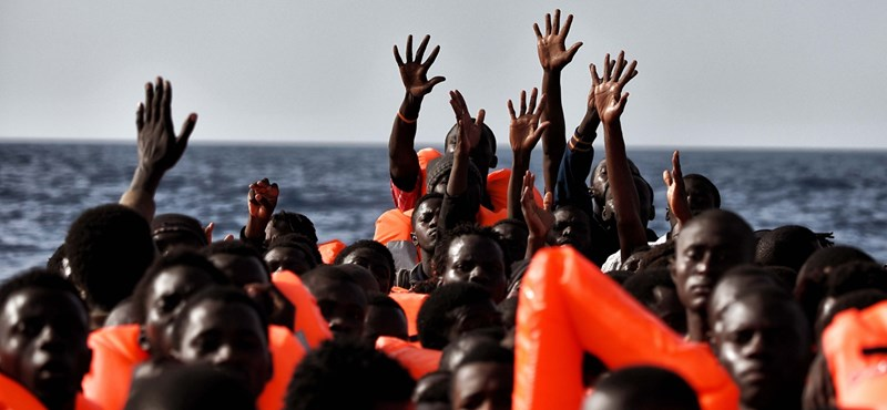 New York Times: Szégyen, amit Magyarország tesz