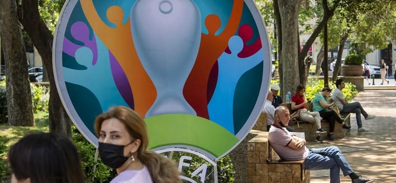 Sérülés miatt cserélnének játékost az olaszok – folytatódik a hvg.hu percről percre közvetítése az Európa-bajnokságról