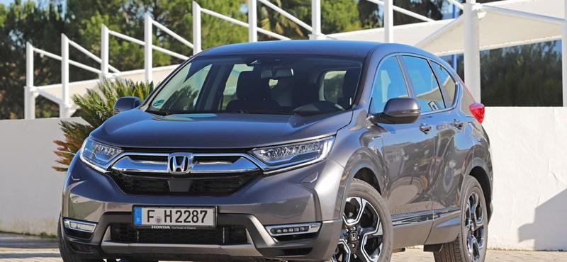Benzines villanyautó: teszten a Honda különc hibrid divatterepjárója, az új CR-V