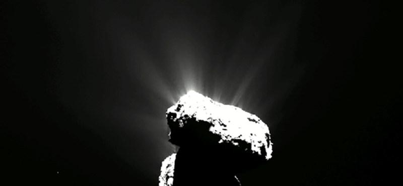 Szemmel nem látható, de a műszer kiszúrta: UV-fény ragyog a 67P/Csurjumov-Geraszimenko üstökösön