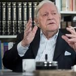 Nagyon nincs jól a 96 éves egykori német kancellár