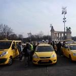 Az amerikai nagykövetségnél is demonstráltak a taxisok