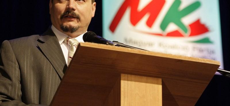 Pozsony rákérdezett, vajon szlovák állampolgár-e az MKP elnöke