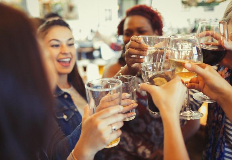 Kijózanító kutatók: szabad-e sörre bort, whiskyre vodkát inni?