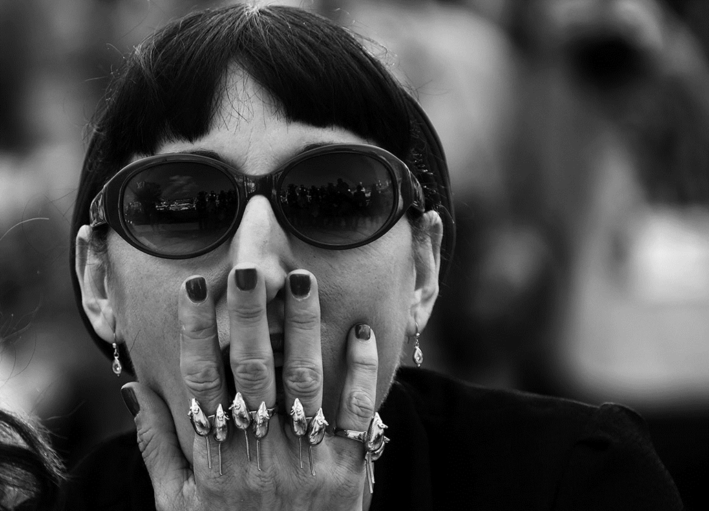 afp.16.05.21. - Rossy de Palma spanyol színésznő - Cannes-i Filmfesztivál feketén-fehéren, Nagyítás