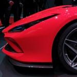 Üléspróbát vettünk a legújabb Ferrariban, az F8 Tributóban