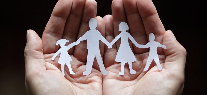 Többet dolgoznak az apák, mint gyermektelen társaik?