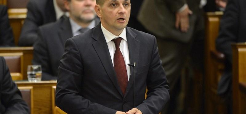 Ördögi tervvel vádolja Budai Gyula a Világgazdaság szerkesztőjét