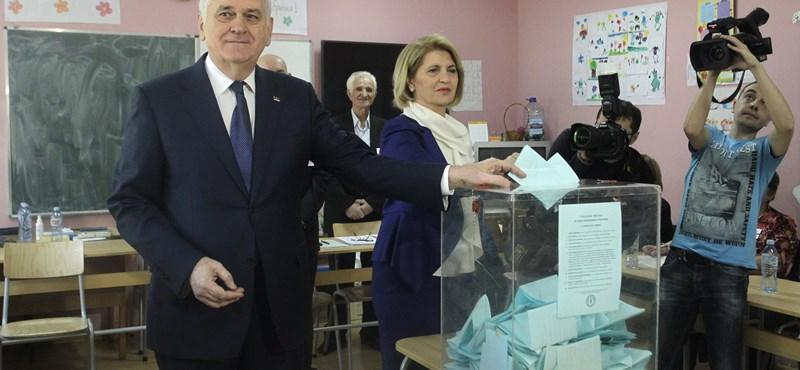 Szerb elnökválasztás: egyelőre alacsony a részvétel