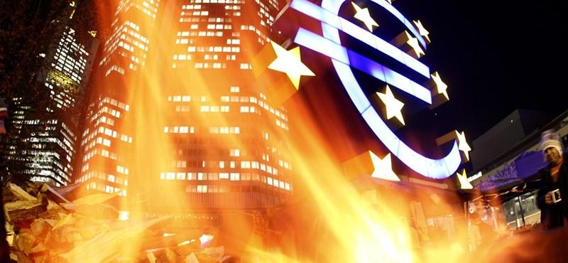 Új történelmi mélypontra süllyedt a forint