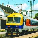 Január végén indul a vonatgyártás Szolnokon